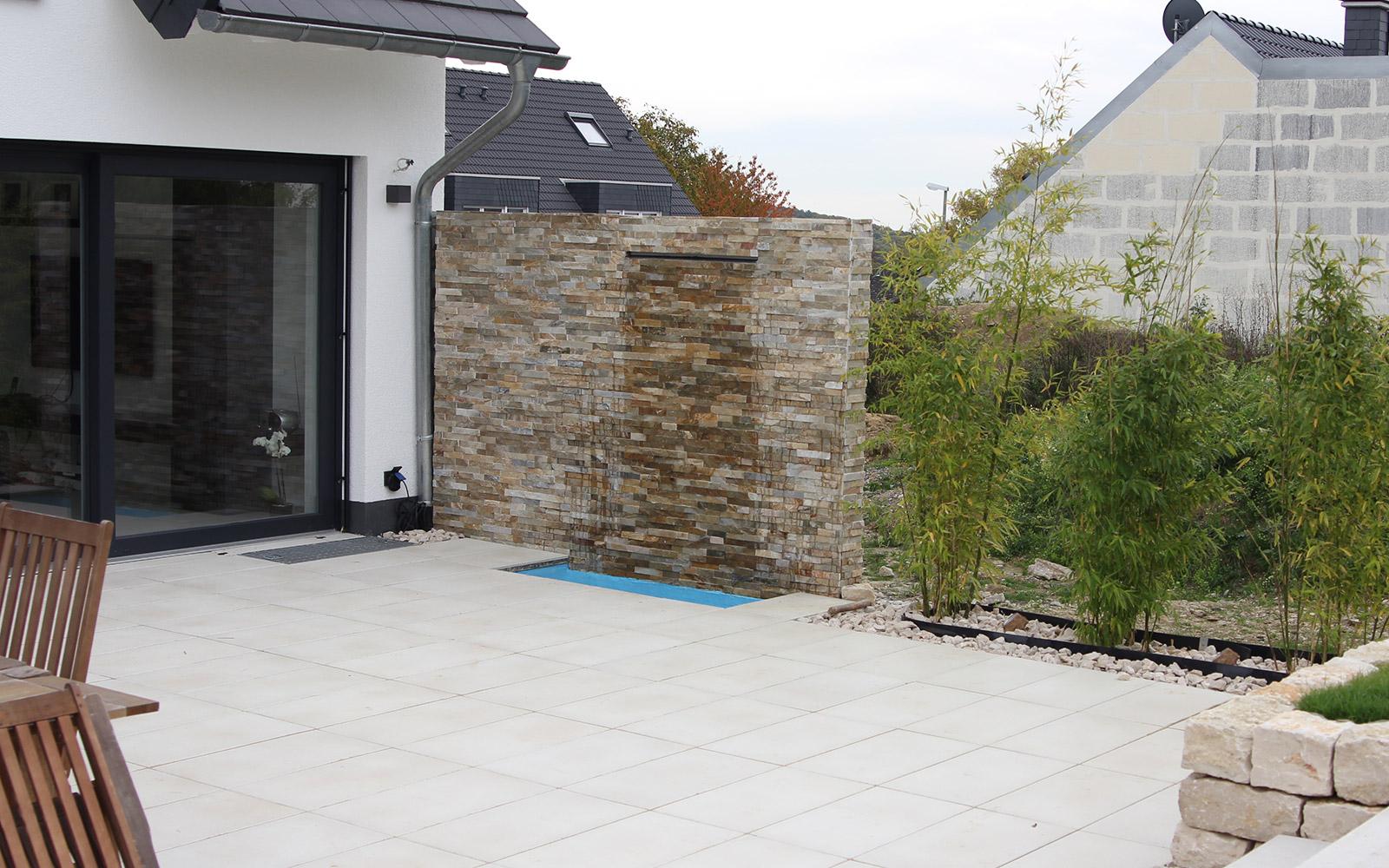 Einzigartig Natursteinmauer Als Sichtschutz